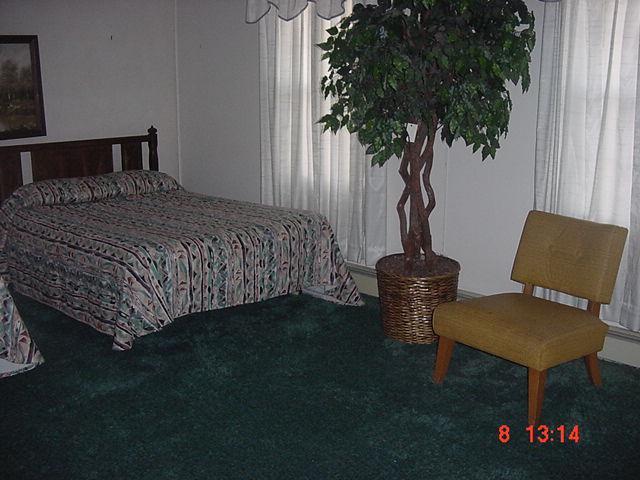 bedroomhouse.jpg